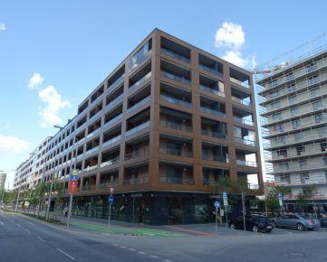 Príjemný útulný kompletne zariadený a vybavený 2-izb. byt, 67 m², 20 m² terasa, 1. posch./6, v polyfunkčnej novostavbe URBAN RESIDENCE na Račianskej ul. v Novom Meste