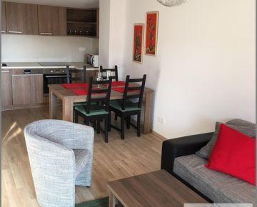 Prenájom MODERNÝ, zariadený 2 izbový byt s VEĽKOU loggiou 8 m2, Miletičova, pri CENTRÁLI! možnosť prenajať aj parkovacie státie vo dvore!