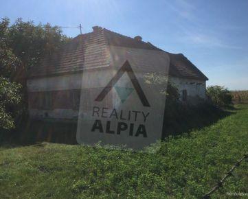 Na predaj rodinný dom s veľkým pozemkom