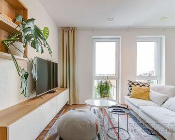 360° VIRTUÁLNA PREHLIADKA:: Nadštandardný 3-izbový byt, BA I. Staré Mesto, Šulekova ul.