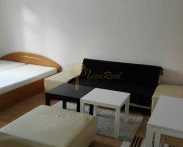 1-izb., Pavlovova, Nivy, lokalita 500 bytov, tehlový dom