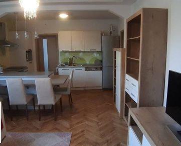 Prenájom 2, 5 izbový byt, Bratislava - Nové Mesto, Teplická ulica