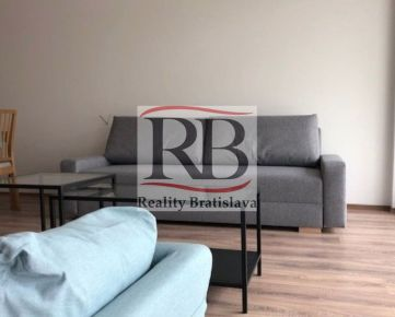 Na prenájom 2 izbový byt na ulici Pod vtáčnikom na Kolibe, BAIII