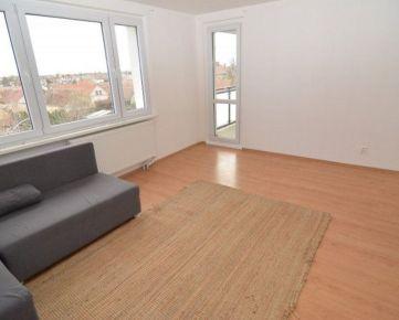 BOND REALITY - Prenájom 3 izb. bytu s balkónom, Osloboditeľská ul. Vajnory