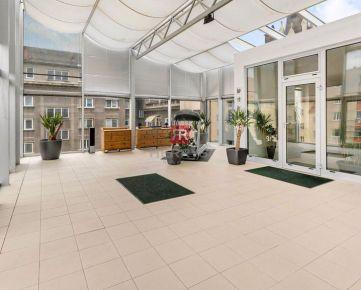 HERRYS - Na predaj unikátny mezonetový byt s dominantnou zimnou záhradou v centre mesta
