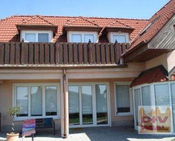 8 izbový rodinný dom, Hrebendova ulica, Bratislava I, Staré Mesto, po rekonštrukcii, aj ako dvojgeneračný, na predaj