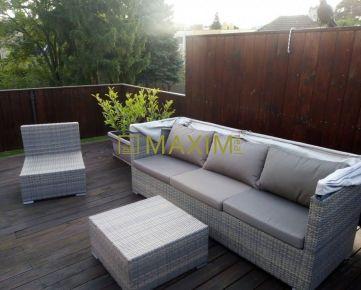 Výborná lokalita - Rodinný dom s tromi bytovými jednotkami + priestor na podnikanie + parkovanie + terasa