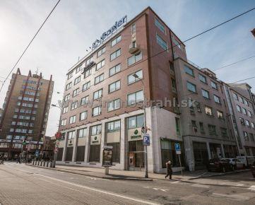 Obchodný priestor 79 m2 + 35 m2 na prenájom v objekte na Kolárskej ulici