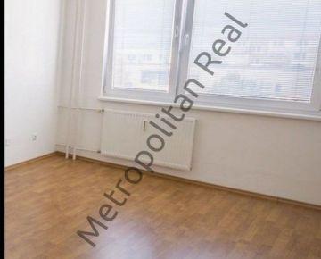 Priestranný 1-izbový byt v Dúbravke na Považanovej ulici
