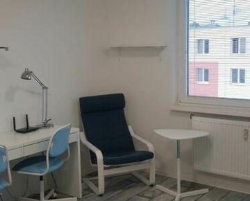 NA PRENÁJOM :  Nový zariadený  1 izbový byt na Družbe.