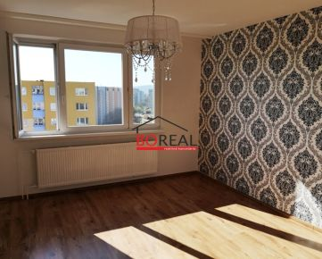 ** RK BOREAL ** Veľmi pekný 2izb. byt po kompletnej rekonštrukcii, BA V - Petržalka na Osuského ulici