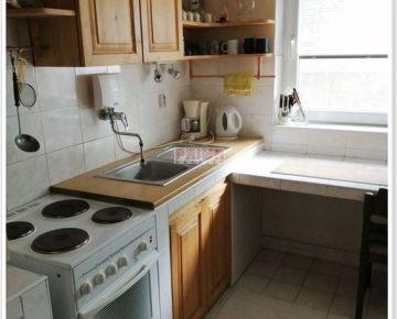 ID 2456  Prenájom: 3 izbový byt - Višňové