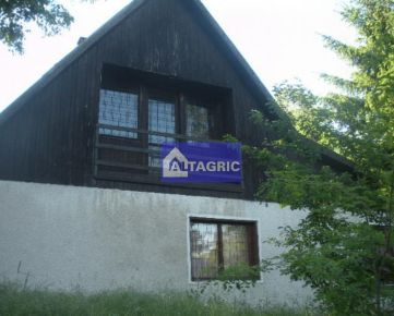 2134 -  Na predaj rekreačná chata v Radvaň nad Dunajom