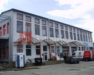 Sídlo firmy -sklady, kancelárie, predajňa 450 m2 Banská Bystrica
