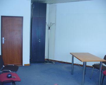 Cultus Ružinov ponúka na prenájom kancelárskych priestoroch v DK Ružinov