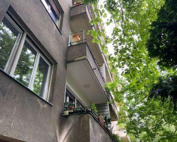 PROMINENT REAL predá pekný 4 izbový byt na Sokolskej ulici v Bratislava - Staré Mesto.