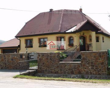 *VÝHODNÁ PONUKA - Pekný priestranný rodinný dom v blízkosti mesta Prešov (Župčany), s dvojgarážou, bazénom, saunou, okrasnou záhradou - vhodný na okamžité nasťahovanie