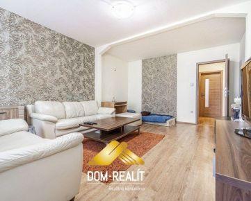 DOM-REALÍT ponúka priestranný zariadený 2 izbový byt v skvelej lokalite na ulici Čsl Parašutistov