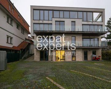 Exkluzívna vila, 480m2, úžasný výhľad, kancelárie alebo sídlo ambasády