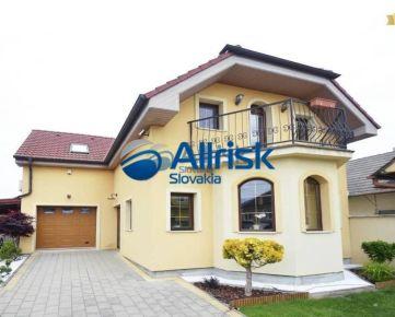 Veľký rodinný dom v blízkosti Piešťan