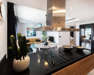 Pre nášho klienta hľadáme veľkometrážny byt v širšom centre Bratislavy