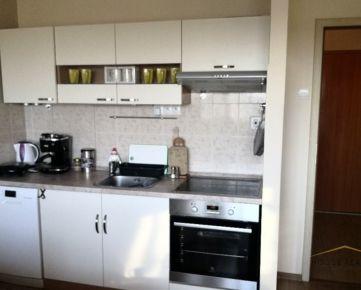 Prenájom 2 izbový byt s 2 lodžiami a klimatizáciou, Mlynarovičova ulica, Bratislava V Petržalka
