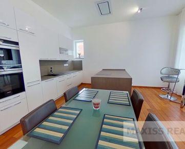 Prenájom luxusného 3-izbového bytu v centre Banskej Bystrici aj pre náročnejších