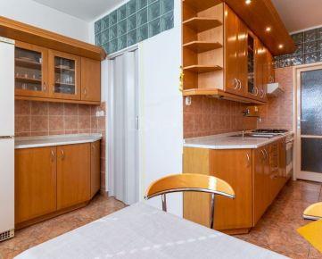 PRENÁJOM 3 izbový byt v Ružinove, Jašíkova ul., 80m2