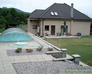Nadštandardný dom s bazénom v prekrásnej prírode Strážovských vrchov na predaj