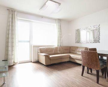 Zariadený 2i byt v novostavbe s balkónom s pekným výhľadom