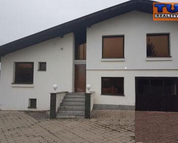 REZERVOVANÉ !!! EXKLUZÍVNE iba u nás !!! Rodinný dom v obci Vajkovce na pozemku o výmere 1056 m2. CENA: 118 000 €