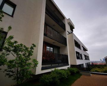 Dražba bytu s garážovým státím na Svätovavrineckej ulici, Obytný dom Panoráma - Koliba, Bratislava - Nové Mesto