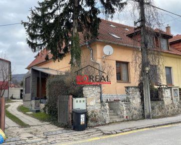 ** RK BOREAL ** Trojpodlažný 4izb. RD, ÚP 130 m2, Pri vinohradoch, Bratislava - Rača