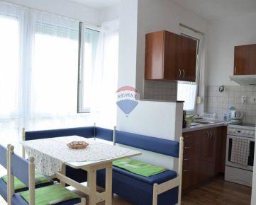 Prenájom 1-izbového bytu s parkovacím státim