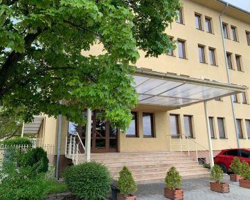 Kancelária 49 m2 so zázemín v Nitre, Murgašova ul.