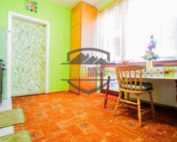 Na predaj 3,5 izbový byt/ super dispozícia/ loggia / Novomeského