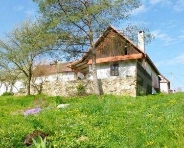 Chata s nádherným pozemkom pri potoku nad Starou Turou