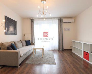 HERRYS - Na prenájom krásny priestranný 2 izbový byt so šatníkom v širšom centre mesta