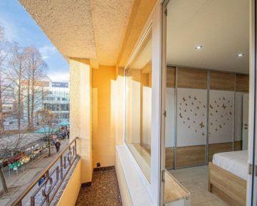 BULVÁR:Luxusný 3-izbový byt s loggiou, 96 m2
