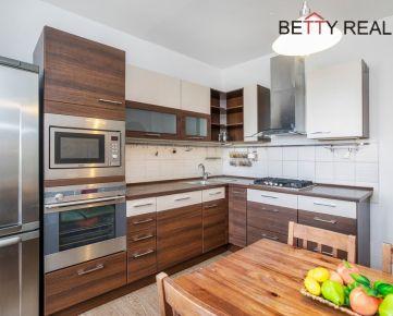 3i byt Bratislava – Petržalka – MARKOVA - moderný, nápaditý – precízna rekonštrukcia zameraná na každý detail