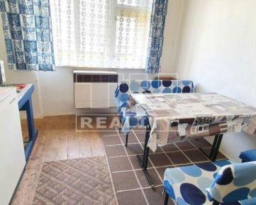 Predaj dvojgeneračného rodinného domu v lukratívnej časti Banskej Bystrice o výmere 796m2. CENA: 226 000,00 EUR