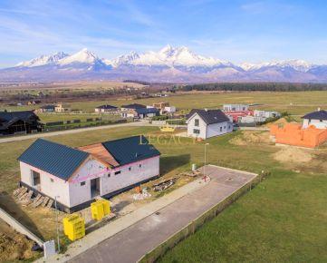 Lukratívny pozemok s krásnym výhľadom na Tatry a golf