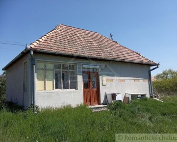 Domček s 20 árovým pozemkom na okraji podhorskej obce Seľany
