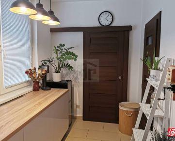 Direct Real - Krásny kompletne zrekonštruovaný 3i byt s balkónom na Chrenovej s krásnym výhľadom
