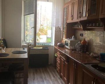 Na predaj 1 izbový byt vo Zvolene, v blízkosti Námestia.