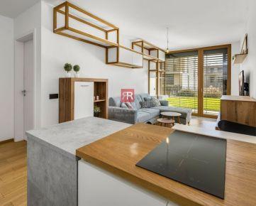 HERRYS - Na predaj kompletne zariadený 2 izbový byt s veľkou predzáhradkou, pivnicou a garážovým státím v novostavbe NIDO pri Kuchajde