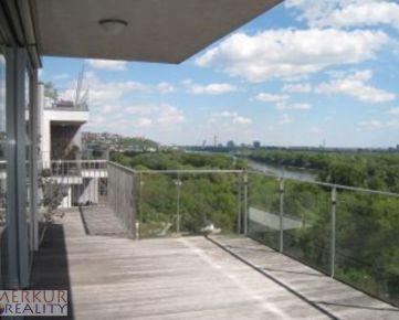 Predaj 6 izb. Karlova Ves ul. Vincenta Hloznika, objekt Condominium Renessance, 2x terasa, pivnica, parkovanie