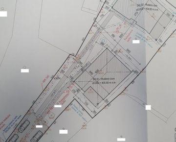 Na predaj pozemok pre bývanie Krasňany so stavebným povolením pre 2 domy