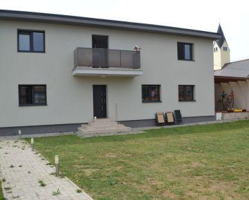 Prenájom - kompletná rekonštrukcia 5 izb.rod.domu v mestskej časti Bánová - Žilina