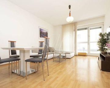 Priestranný 2i byt s veľkou terasou v centre Bratislavy na predaj